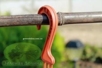 Крючок для подвесного вазона Plast