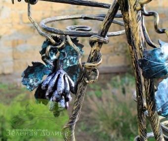 Кованая подставка для цветов «Виноград» - гроздь и листья